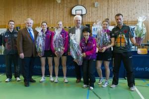 Im Rahmen Ihres letzten Punktspieles gratulierte der Präsident des DJK Verbandes Werner Berger den Damen der 1.Bundesligamannschaft zur Wahl Mannschaft des Jahres DJK national.