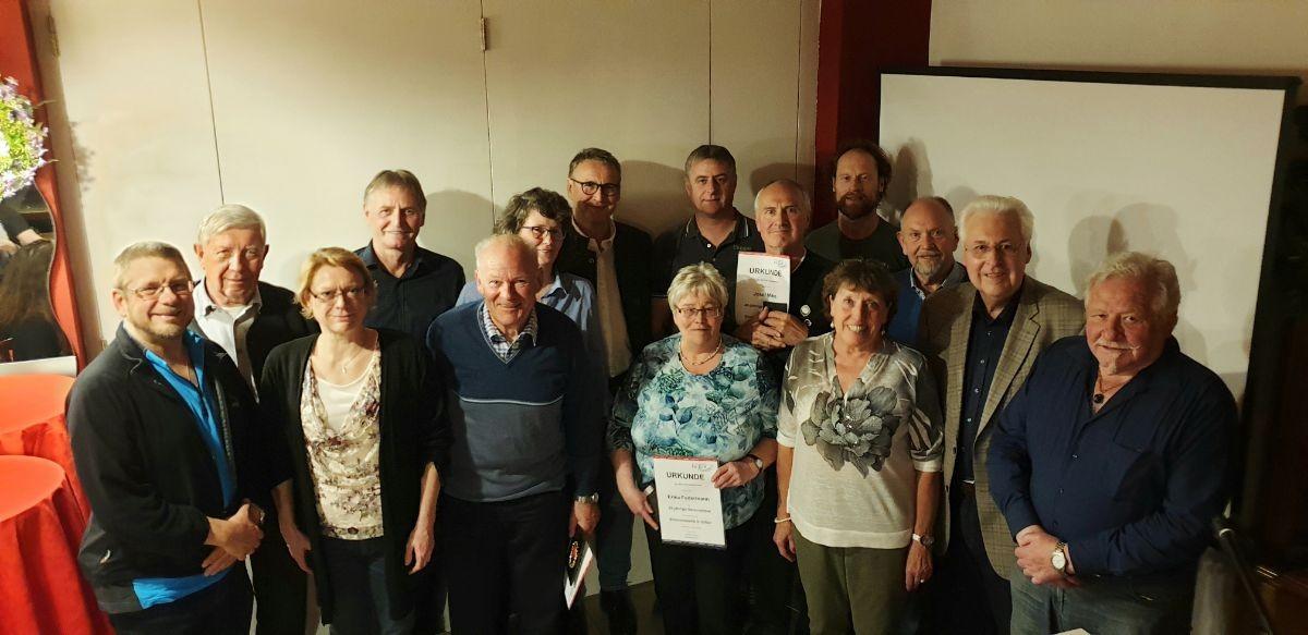Klaus Wiesener (Vorstandsmitglied),Rudolf Kelbel (50 Jahre), Claudia Warter (25 J.), Klaus Vockensperger (25 J.), Klaus Schiffmann sen. (70 J.), Manuela Buchmeier (40 J.), Robert Daxeder (50 J.),Erika Federmann (25 J.), Michael Reich (40 J.), Josef Miko (40 J.), Irmgard Lüers (50 J.), Bernd Michl (25 J.), Günther Zellner (25 J.), Gerhard Duschl Vorstandssprecher, Horst Spielvogel (50 J.)